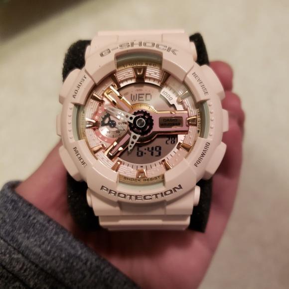 1684a5a67 G-shock women s watch
